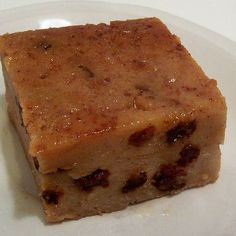 Budin de pan (Traditional Puerto Rican white bread pudding)