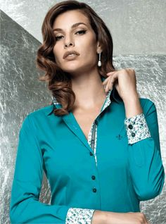 Look Woman Satin Blouses, Shirt Blouses, Button Up Shirt Womens, Corsage, Casual Couture, Blouse Styles, Denim Shirt, African Fashion, Blouses For Women
