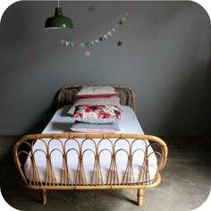 love this bed!  atelier du petit parc