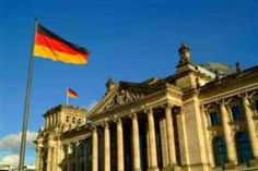 Learn the German language by practicing vocabulary, phrases, grammar exercises and verb conjugation with our free online learning resources German Grammar, German Language, Immigration To Germany, Visit Germany, Germany Berlin, Germany Travel, Volunteer Abroad, Learn German, Top Universities