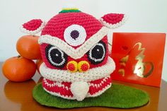 Lion Head for Lion Dance (Free Crochet Pattern) – One Zero Crochet Crochet Lion, Kawaii Crochet, Crochet Dragon, Crochet Amigurumi Free Patterns, Crochet Round, Free Crochet, Crochet Panda, Crochet Poncho, Lion Dance
