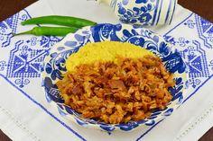 Galuste cu prune - CAIETUL CU RETETE Coleslaw, Chana Masala, Risotto, Ethnic Recipes, Food, Plate, Fine Dining, Kitchens, Romanian Food
