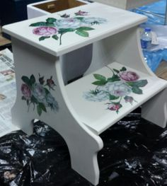 Step Stools, Bench Swing, Decoupage Vintage, Step By Step Painting, Ideas Para, Painted Furniture, Diy And Crafts, Projects To Try, Woodworking