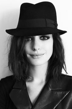 • hat celebrities photography beauty girl film Black and White fashion glamour movie gorgeous style vintage photograph b&w Model Black & White brunette celeb cinema anne hathaway star magazine pics =] upside down Anne Hatway feellng •