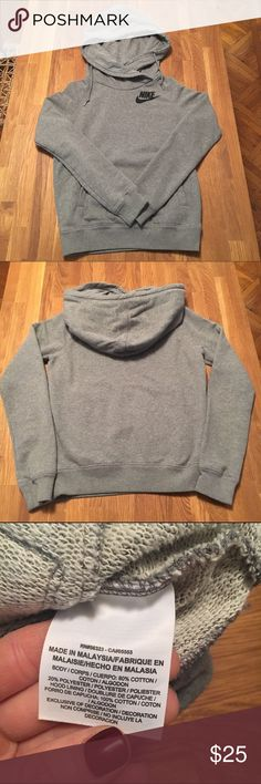 Nike Hooded Sweatshirt Super cozy Nike sweatshirt with oversized hood. Front pocket. Size small. Only worn a few times. *smoke free home Nike Tops Sweatshirts & Hoodies