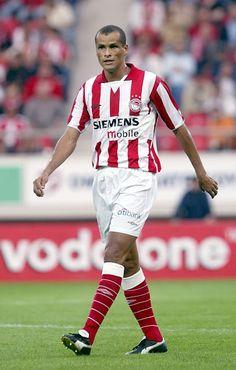 Rivaldo of Olympiaikos & Brazil in Football Uniforms, Football Soccer, Football Players, Fifa, Sports Games, Dream Team, Superstar, Athlete, Passion