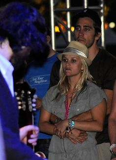 Jake Gyllenhaal and Reese Witherspoon Photos Photos - Actors Reese Witherspoon and Jake Gyllenhaal attend the Fleet Foxes performance during day 1 of the Coachella Valley Music & Arts Festival held at the Empire Polo Club on April 18, 2009 in Indio, California.  (Photo by Frazer Harrison/Getty Images) * Local Caption * Reese Witherspoon;Jake Gyllenhaal - Coachella Valley Music & Arts Festival 2009 - Day 2