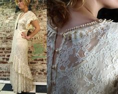 what a gorgeous vintage gown!!