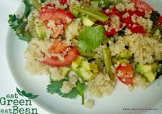 Ensalada de Quinoa Llena de nutrientes e ideal para cenar o para comidas con toda la familia #singluten #sinlacteos #quinoa