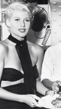 Rita on set, The Lady From Shanghai
