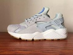 Shop for Latest Nike,Fashion Style Roshes ,Discount Yeezy 350 Shoes Cheap Sneakers, Cheap Shoes, Shoes Sneakers, Sneakers Adidas, Huaraches Shoes, Pumas Shoes, Nike Fashion, Fashion Shoes, Nike Clearance Store