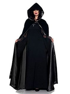 I love this! A FULL length hooded cloak that's a free sewing  pattern with step by step instructions! Perfect for a DIY costume idea.
