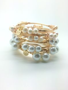 Need this stack of pearl bangles on my arm right now