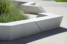 Concrete bench, EXP Architectes / Antoine Chassagnol, Nicolas Moskwa, Maxime Vicens, Plaza del Milenio