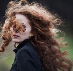 Beautiful Redheads Will Brighten Your Weekend Photos) - Suburban Men Outlander, Rich Hair Color, Irish Redhead, Curly Hair Styles, Natural Hair Styles, Natural Curls, Natural Waves, Soft Curls, Lily Evans
