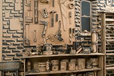 A_Full_Scale_Artist_Studio_Made_Out_Of_Cardboard_by_Tom_Burckhardt_2015_02