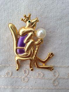 frog brooch pin, frog pin, vintage frog brooch, rare Danecraft Frog King,vintage frog brooch pin, vintage frog pin, frog king pin, frog by DuckCedar on Etsy