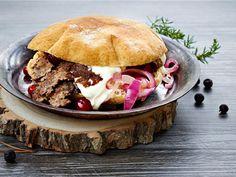 Riista taipuu kebabiksi Pulled Pork, Hamburger, Beef, Ethnic Recipes, Food, Shredded Pork, Meat, Essen, Burgers