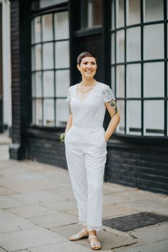 House of Ollichon bride, Roxy, looked stunning in the 'Lowry' bridal jumpsuit at her wedding. If you're looking for an alternative to the traditional wedding dress, visit House of Ollichon for beautiful bridal jumpsuits and bridal separates - http://houseofollichon.co.uk/shop #bridaljumpsuit #jumpsuit