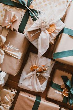 Mes emballages cadeaux de Noël 2020 - Pauline Dress - Blog Mode, Lifestyle et Déco à Besançon Pauline Dress, Furoshiki, Merry Christmas, Wraps, Gift Wrapping, Seasons, Lifestyle, Etsy, Blog