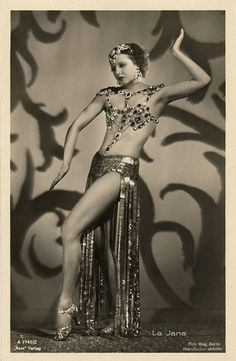 La Jana    German postcard by Ross Verlag.    German dancer and film actress La Jana (1905 - 1940) was the most popular show girl of Berlin in the 1930's. She appeared in 25 European films, often dancing in exotic costumes.