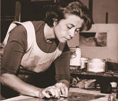 Fayga Perla Ostrower (Lodz, 14 de setembro de 1920 — Rio de Janeiro, 13 de setembro de 2001) foi uma artista plástica brasileira nascida na Polônia. Atuou como gravadora, pintora, desenhista, ilustradora, teórica da arte e professora.