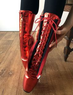 RTBU KEEP Lockable Zip Ballet Wedge Fetish Hoof Boots Heelless Metallic Red Sexy Boots, Cool Boots, Sexy Heels, Ballet Boots, Ballet Heels, Wedge Boots, High Boots, Biker, Crazy Shoes