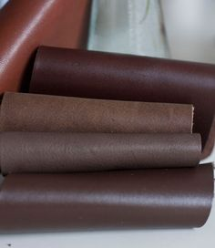 Zimowe brązy skór naturalnych na torby.  #brown_leather #genuine leather#chocolate #handcrafted