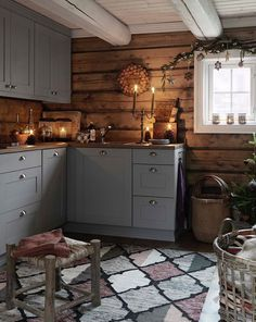 New Kitchen Cabinets Gray Wood Ideas Rustic Kitchen, New Kitchen, Kitchen Decor, Cozy Kitchen, Awesome Kitchen, Kitchen Interior, Cabin Homes, Log Homes, Grey Kitchens