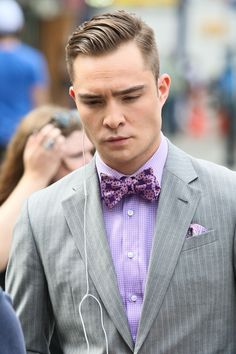 Ed Westwick looking luxurious in lavender #pocketsquare #fashion