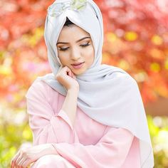 When takes every single shot nice and you can't decide between them so you end up posting all of them 😄 Wearing Silver Dust Hijab Gown, Hijab Outfit, Muslim Girls, Muslim Women, Hijab Makeup, Stylish Hijab, Islamic Girl, Stylish Dpz, Hijabi Girl