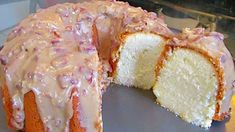 New Orleans Praline Pound Cake Recipe I love New Orleans so much not only is it beautiful but it is a place with so much cultural nbsp hellip Haitian Food Recipes, Cuban Recipes, Donut Recipes, Cookie Recipes, Dessert Recipes, Haitian Cake Recipe, Easy Desserts, Sweet Recipes, Baking Recipes