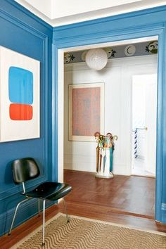 DOMINO:A Playful, Personalized Mural Charms an Upper East Side Entryway