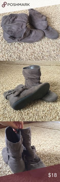 Short gray boots Gray boot wth bow detail r2 Shoes Ankle Boots & Booties