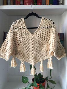 Summer poncho crochet inspired by marie castro i used lion brand 24 7 cotton yarn Crochet Shirt, Crochet Cardigan, Crochet Trim, Crochet Motif, Crochet Designs, Easy Crochet, Crochet Stitches, Knit Crochet, Crochet Patterns