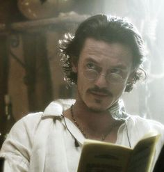 Liam MacKenzie, Marquess of Ravenscroft