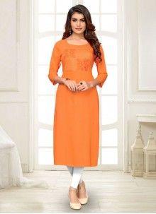 Shop online with latest kurti and fabulous patterns and art work. Shop this rayon orange party wear kurti for festival Latest Kurti, St Style, Orange Fabric, Orange Fashion, Girls In Leggings, Ahmedabad, How To Dye Fabric, Lehenga Choli, Party Wear
