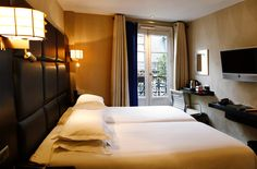 Superior twin room. MonHotel Paris. An eccentric Parisian pied-à-terre. By Hotelied.
