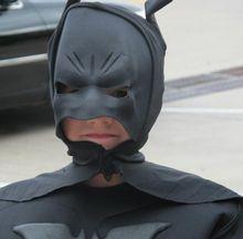Kye tem grandes sonhos. Seu maior desejo? Ser o Batman para enfrentar grandes vilões. O garoto sabe bem do assunto: está numa batalha contra a leucemia.