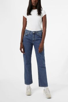 Voyage jeans have a comfort fit with a high waist and straight legs. Made of a classic, heavy non-stretch denim. Voyage Standard come in a mid-blue wash wi Wide Leg Jeans, Cropped Jeans, Weekday Jeans, Latest Jeans, Long Skirts For Women, Korean Fashion Trends, Jeans Style, Stretch Denim, Skinny Fit