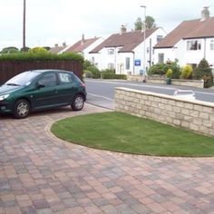 Improvements on pinterest circle driveway circular for Semi circle driveway ideas