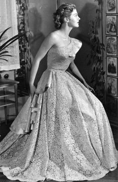 Armi Kuusela Miss Universum Finland 1950s Fashion, Vintage Fashion, Miss Univers, Old Hollywood Glamour, Vintage Glamour, Beauty Pageant, Here Comes The Bride, Universal Studios, Formal Dresses