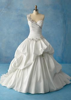 Alfred Angelo Tiana Style 204, $800 Size: 8 | New (Un-Altered) Wedding Dresses
