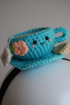 crochet cup of tea. Someone make this for me.( Aunt Paula, I thought of you for this idea) so cute!