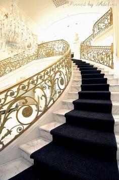 House entrance ideas stairs grand staircase Ideas for 2019 Luxury Staircase, Grand Staircase, Spiral Staircase, Staircase Design, Staircase Ideas, Beautiful Stairs, Beautiful Homes, Painted Staircases, Foyer Decorating