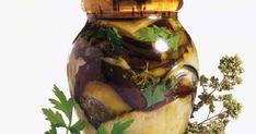 Μελιτζάνες σε ελαιόλαδο και σκόρδο - iCookGreek Pickles, Cucumber, Projects To Try, Pickle, Zucchini, Pickling
