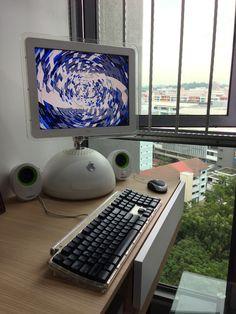 iMac G4 playing music in the corner Macbook Pro 13 Inch, Apple Macbook Pro, Imac G4, Iphone Price, New Ipad Pro, Retro Arcade, Latest Iphone, Apple Watch Series, Apple Ipad