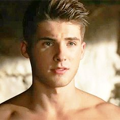 """Cody Christian's """"naked"""" transformation on the Teen Wolf finale"""