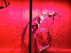 Harrods Chinese New Year Window Display Rooster Chinese New Year, Princess Of China, Retail Windows, How To Attract Customers, Visual Display, Window Displays, Visual Merchandising, Harrods, Staging