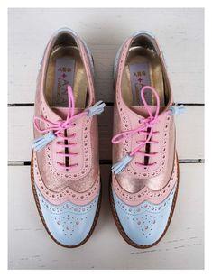 Zapatos estilo caballero. Colores pasteles. Tendencias 2017